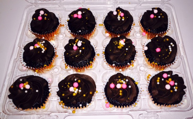 chocolatepinkgoldcupcakes_edited