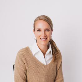 Dr. Kelli Palfy
