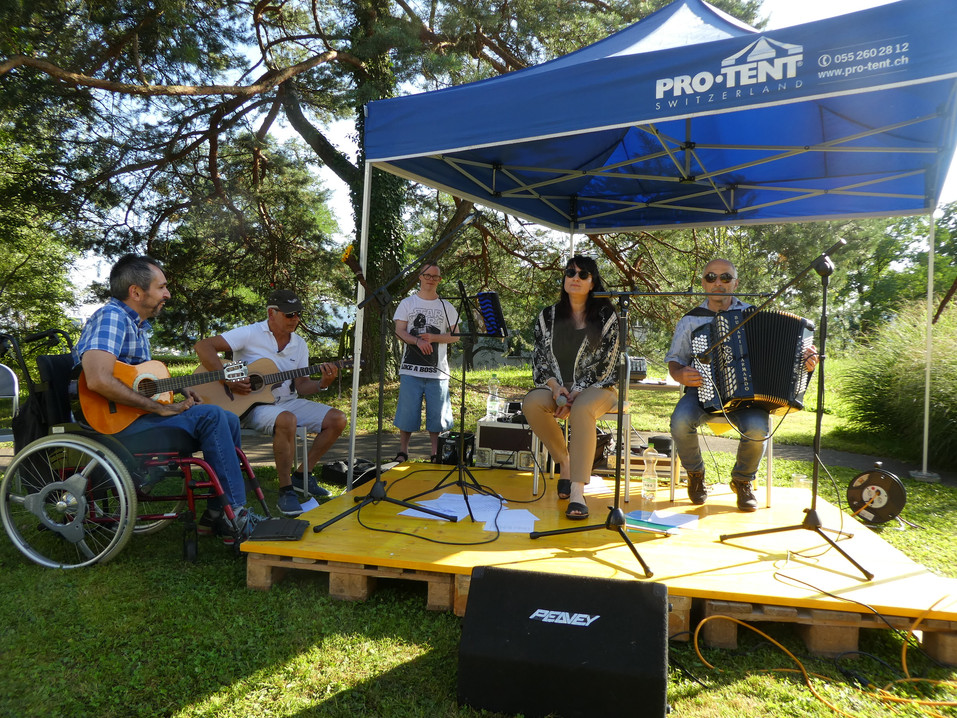 Musik mit Ueli & Bewohner