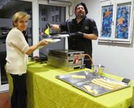 Ruth & René im Raclette-Einsatz