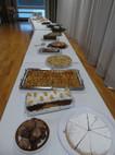 Buffet mit Kuchen von den Wohngruppen & Küche
