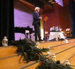 Peter Aisslinger (Präsident) bei seiner Laudatio