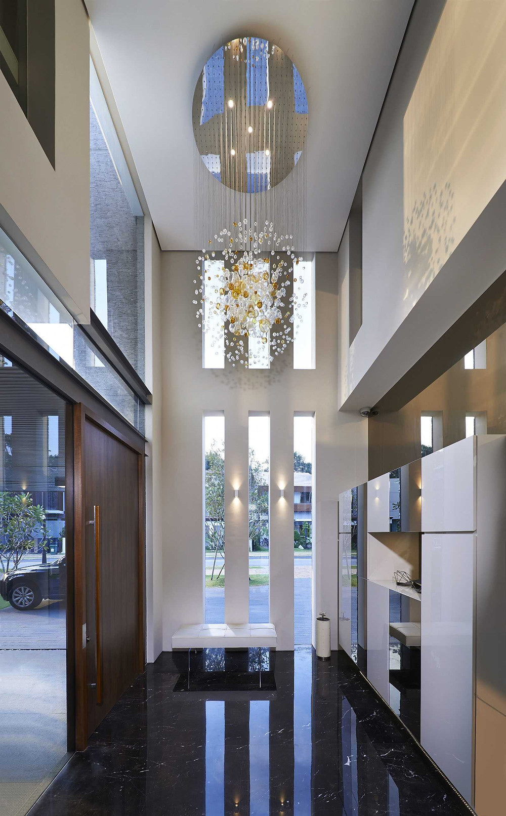 A stylish reception foyer with double-volume ceiling height