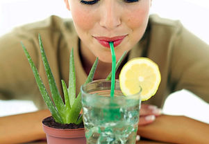 Aloe-Vera-Make-A-Detox-Drink-That-Cleans