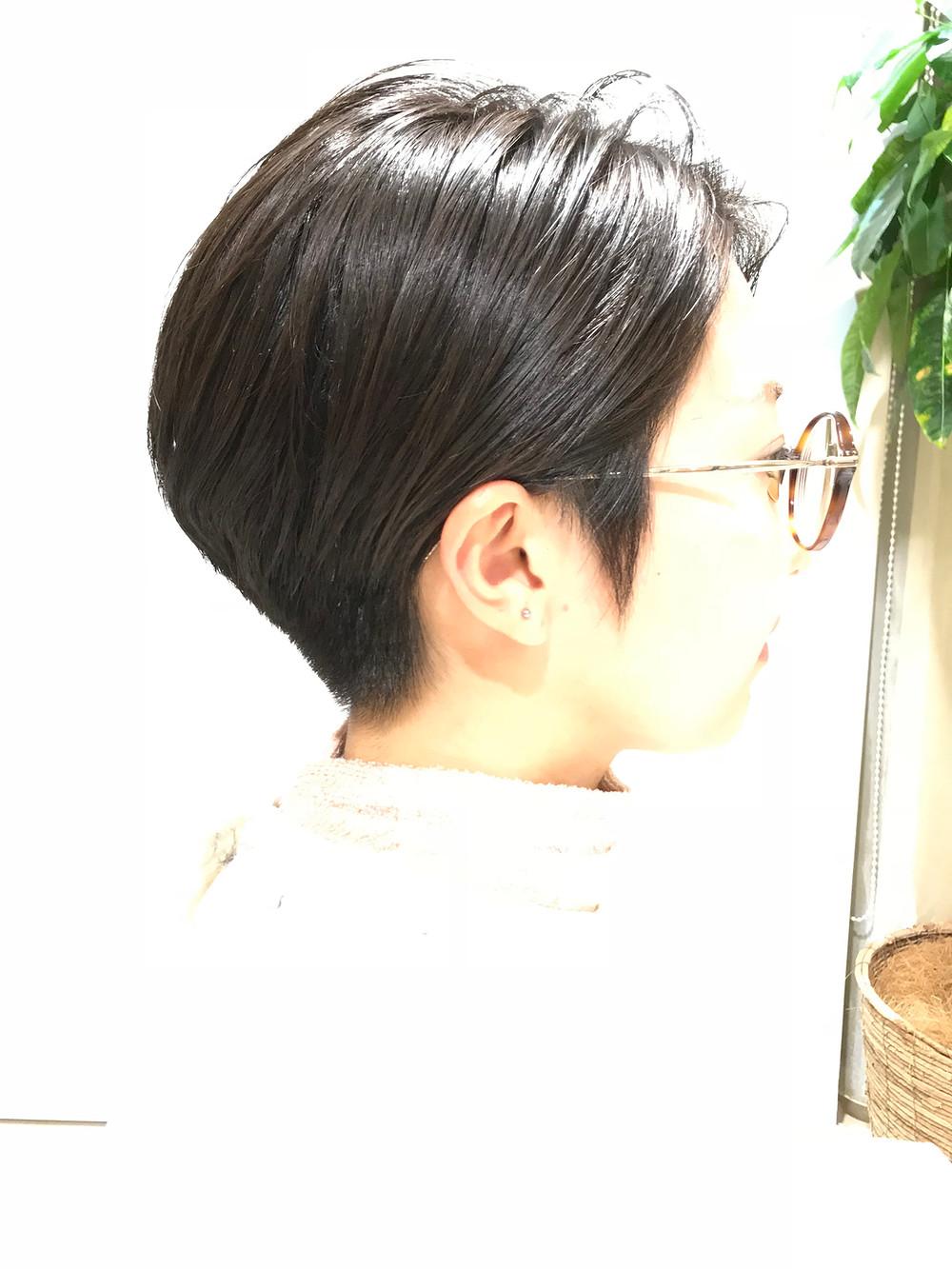 メガネ女子の刈り上げスタイル♬ Ruxus Komazawa