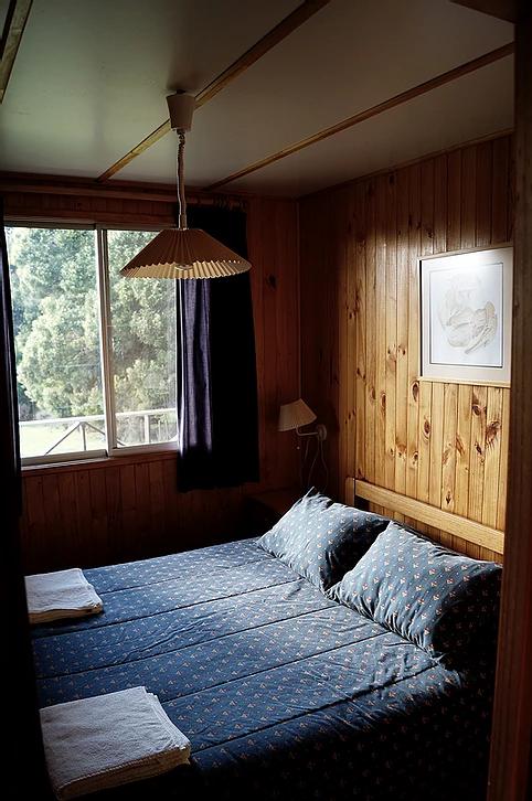 dormitorio-cabaña-dos-personas-laurel.pn
