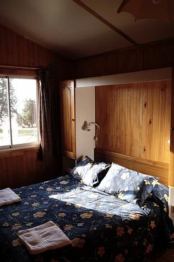 cabaña-con-dormitorio-matrimonial-canel