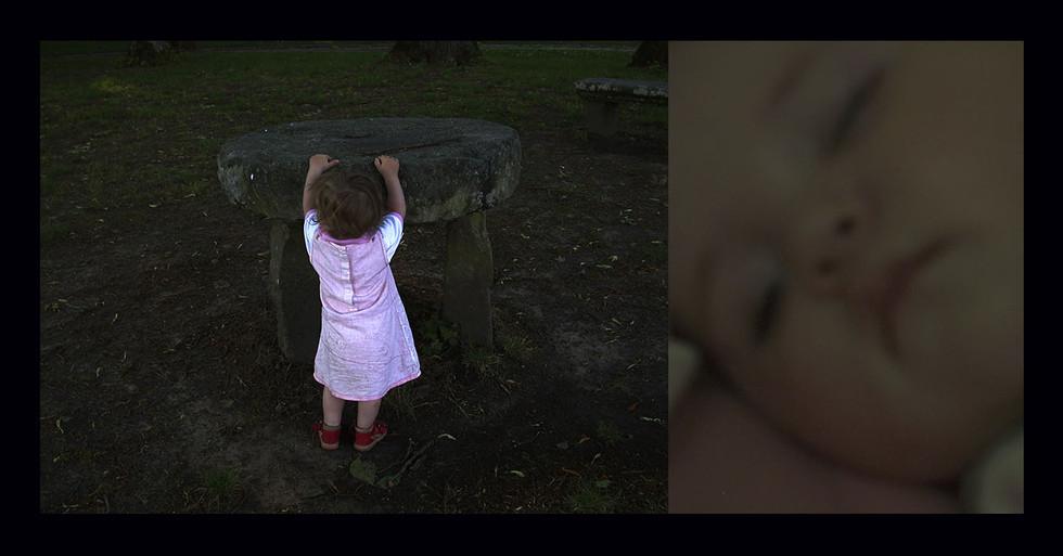 "ENFANCE 2 - LA NUIT "" Mini stonehedge """