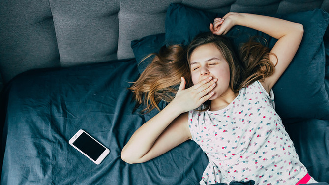 No... Teens shouldn't choose their own bedtime!