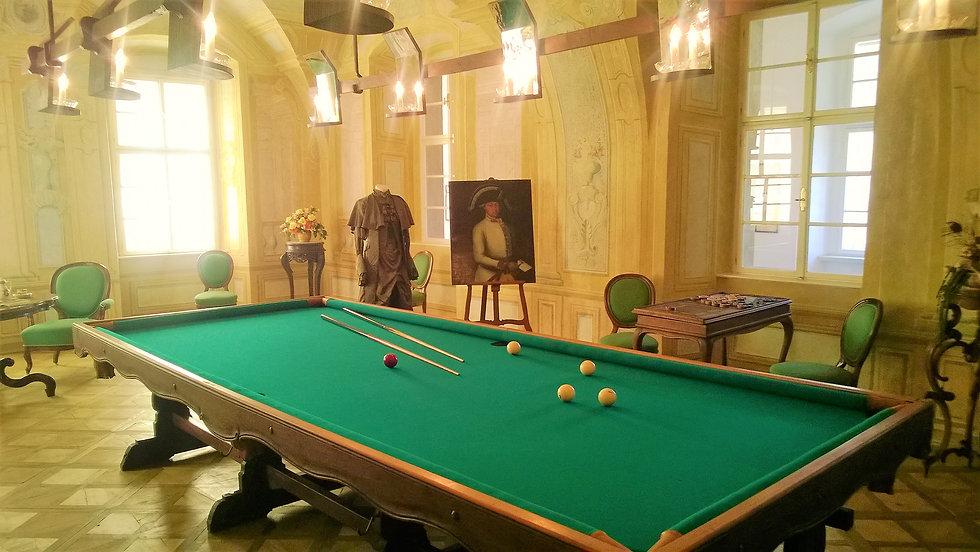 Biliardový sál na zámku Duchcov.jpg