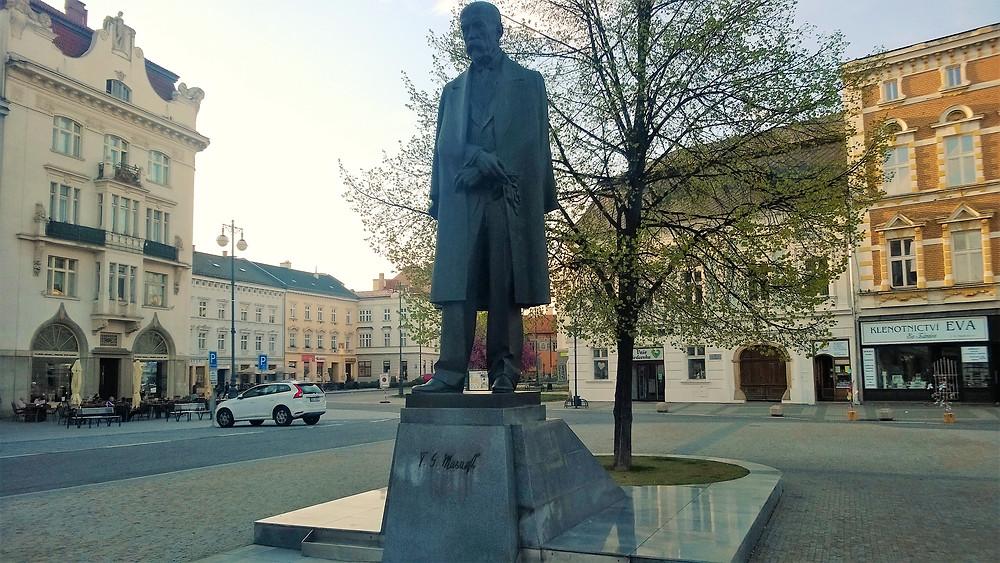 Socha TGM na náměstí v Prostějově