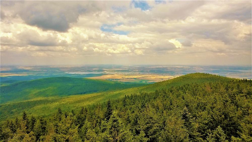 Pohled z rozhledny Borůvková hora