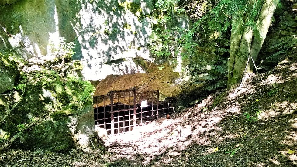 Strašínská jeskyně.jpg