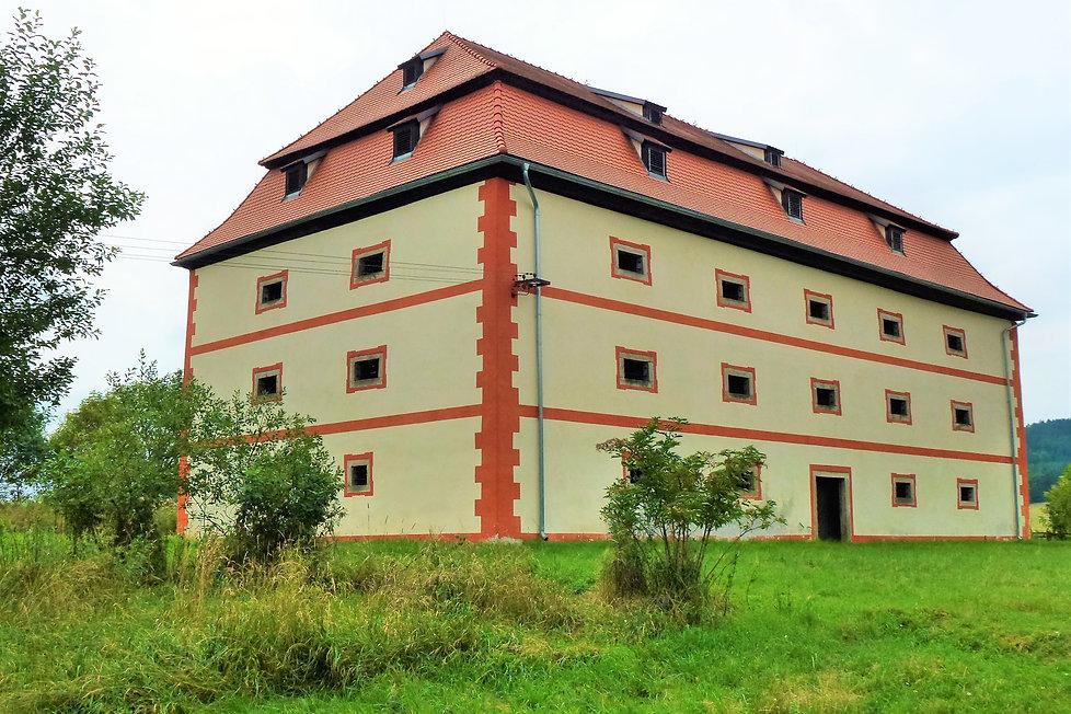 Barokní sýpka v Olešné (VP).JPG