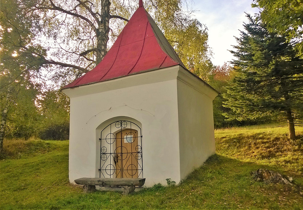 Kaple Nejsvětější Trojice u Postřekova.j
