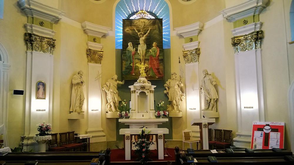Interiér kostela Andělů strážných ve Strážisku