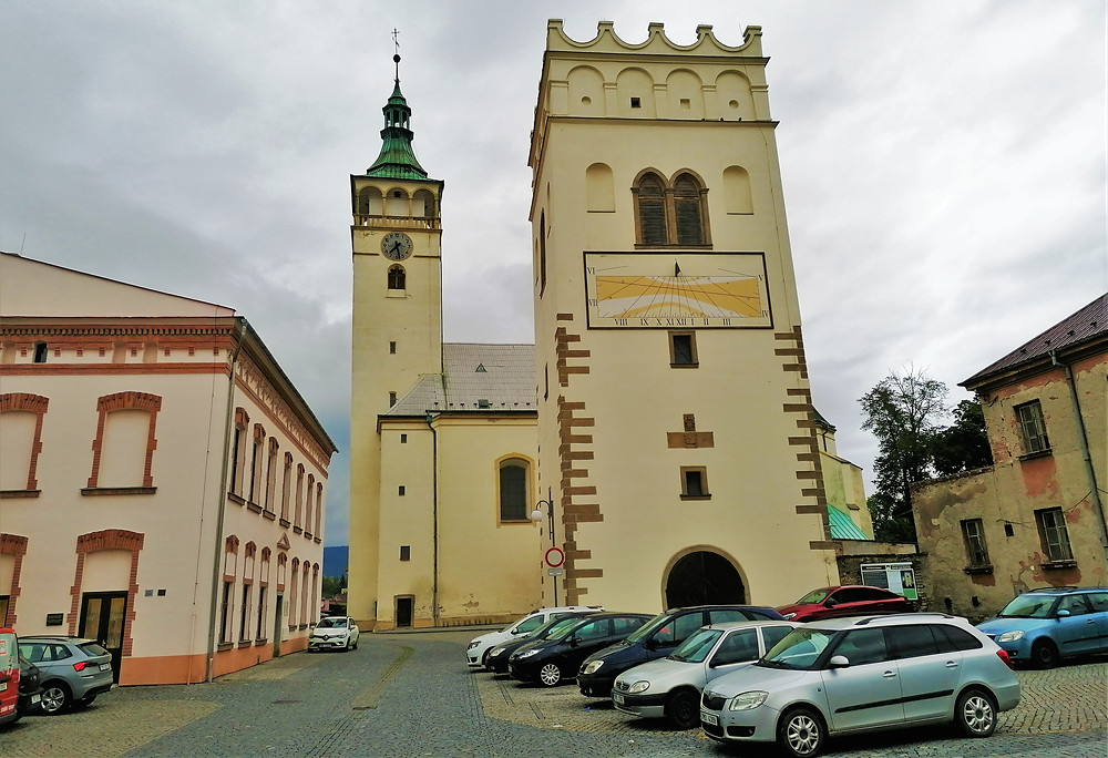 Renesanční zvonice se v Lipníku nad Bečvou dochovala jako jediná na celé Moravě, všechny podobné převyšuje monumentálností a velikostí