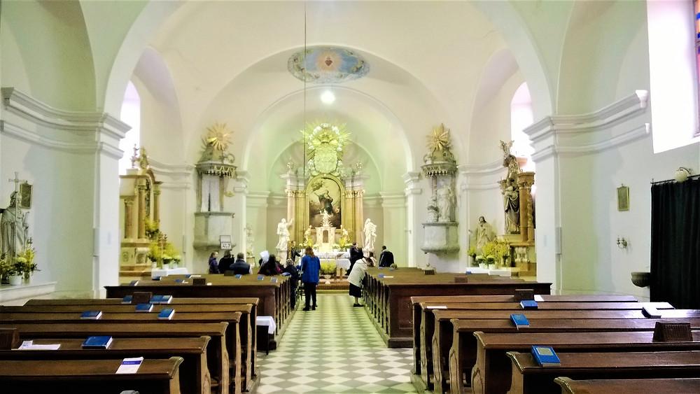 Kostel v Bílé Lhotě
