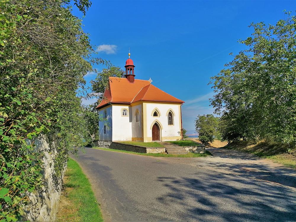 Kapli Nanebevzetí Panny Marie v Tuchořicích nechal postavit rytíř Martin Pachonhay