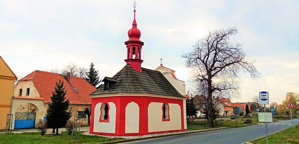 Rokokový kostel svatého Vojtěcha v Račeticích
