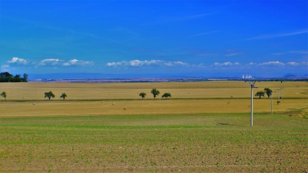 Pohled na Žateckou pánev od obce Lipno