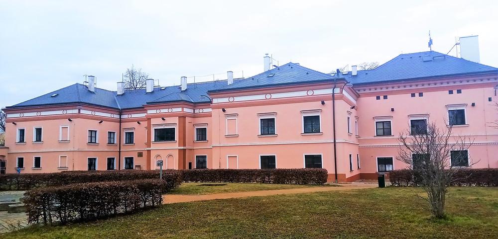 Zámek Čakovice