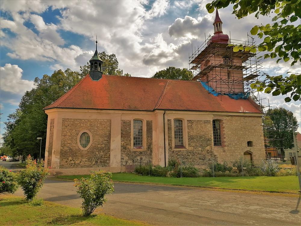 Kostel svatých Šimona a Judy v Lenešicích