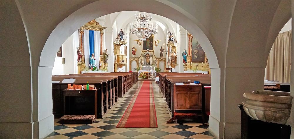 Vnitřní vybavení kostela svatého Prokopa v Lošticích