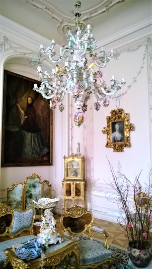 Interiér Zlatého salonku na zámku v Náměšti na Hané