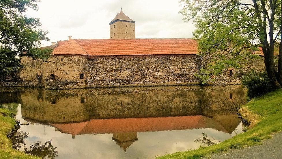 Zrcadlení švihovského hradu.jpg