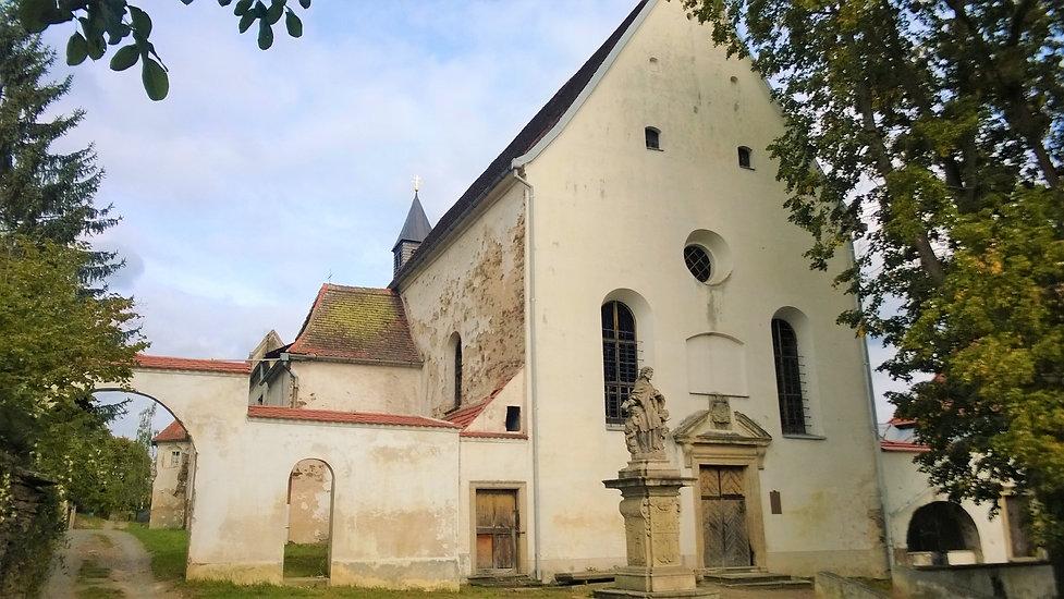 Kapucínský klášter v Horšovském Týnu.jpg