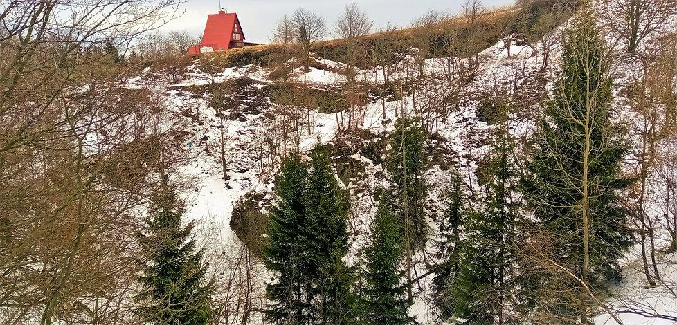 Velká pinka se propadla o 75 metrů; na j