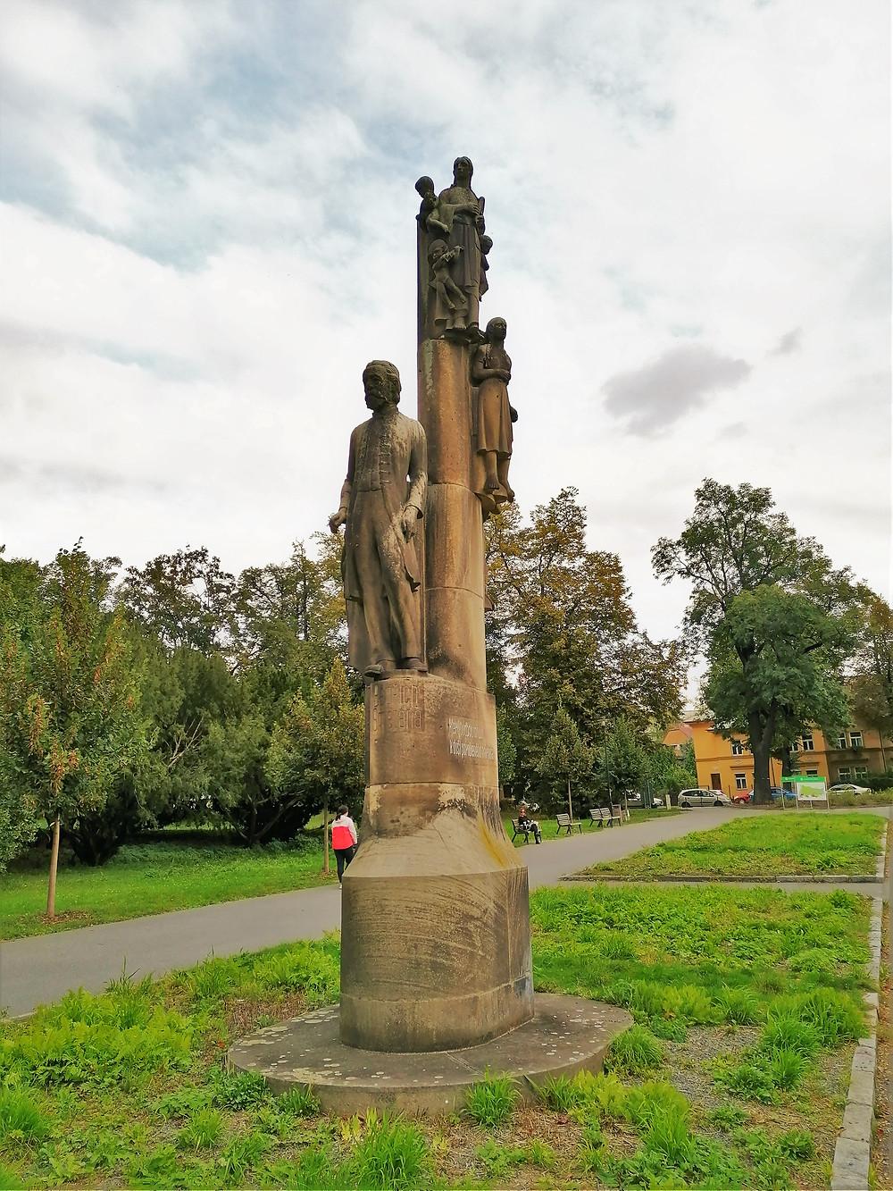 Sousoší Bedřicha Smetany ve Smetanových sadech