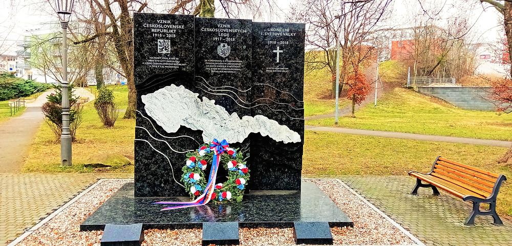 Velmi zajímavý pomník Československé republiky v Kbelích