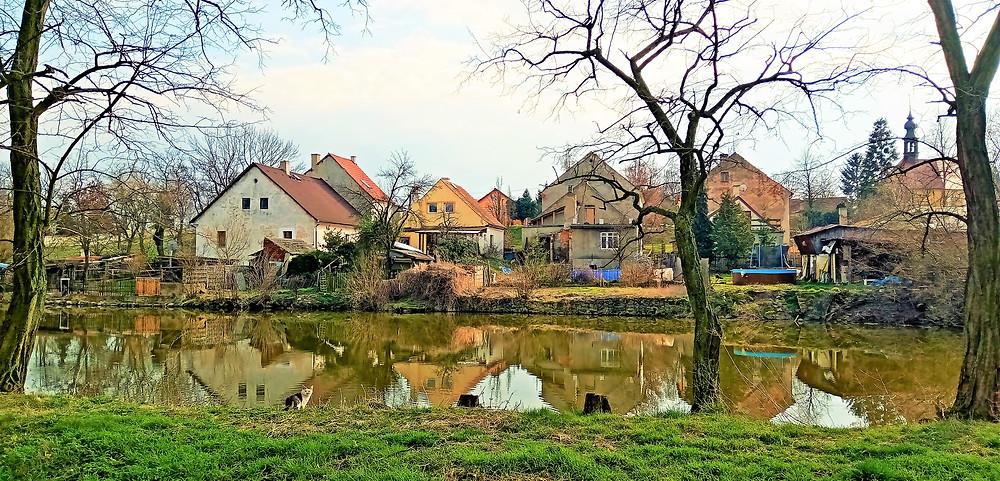 Na tomto místě stávalo v Širokých Třebčicích židovské ghetto