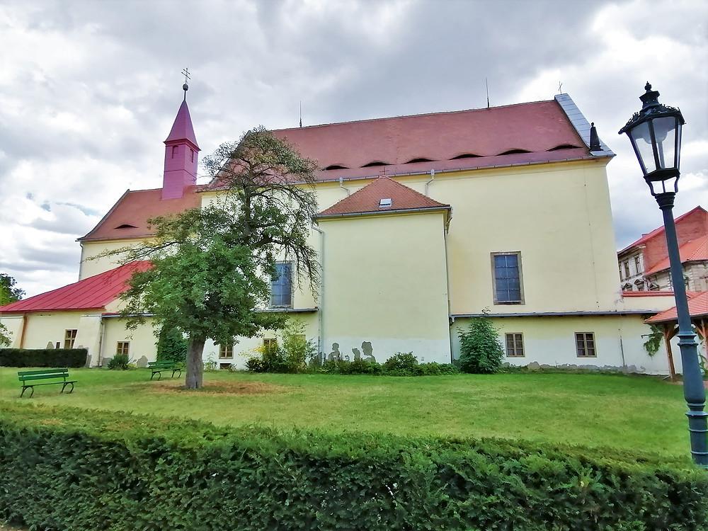 Kostel Korunování Panny Marie v Žatci je hlavním kostel místního kapucínského kláštera