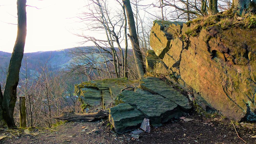 Na zřícenině hradu Hluboký neboli Pustý zámek