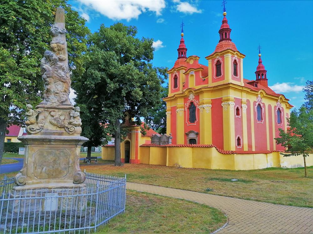 Kostel svatého Václava v Novém Sedle je naprosto neopakovatelný v celé České republice