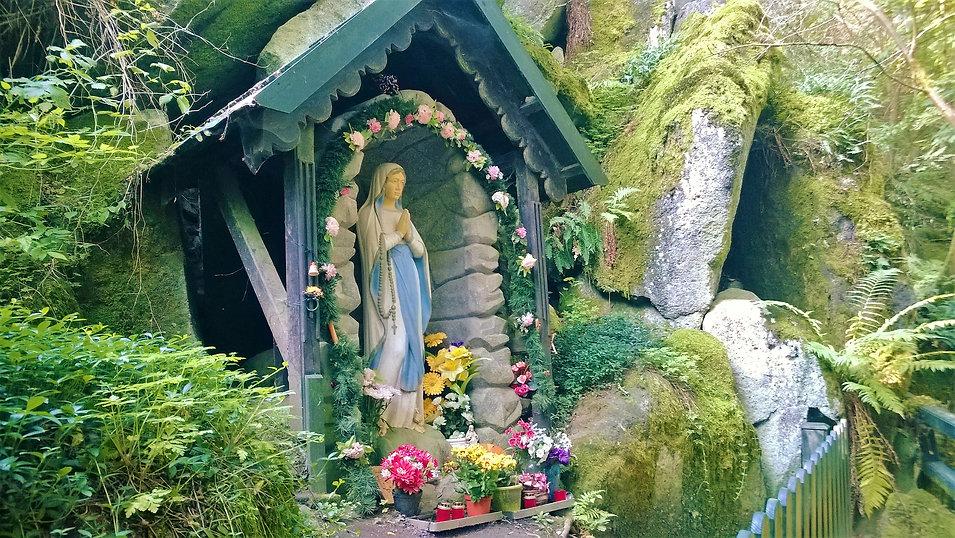 Panna Marie ve skále v Konstantinových L