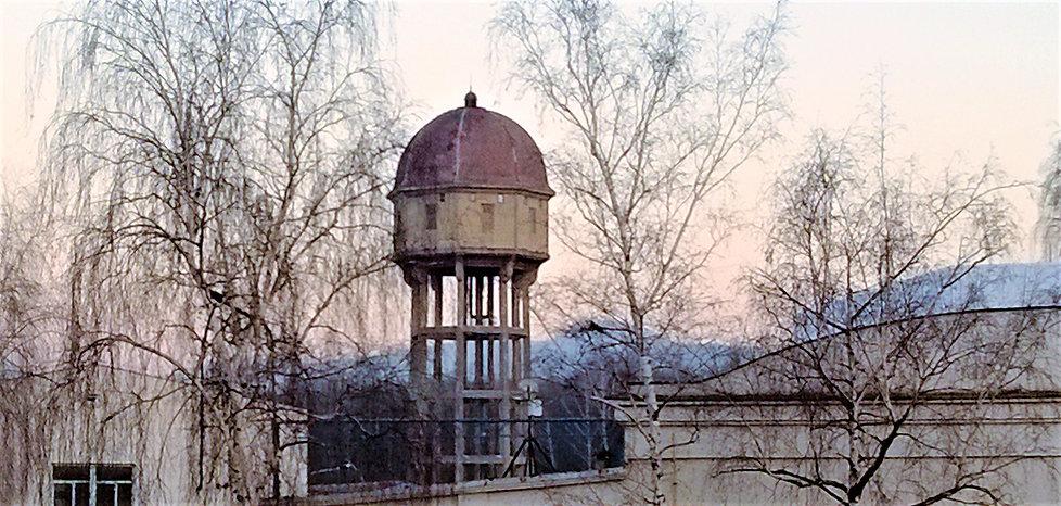 Věžový vodojem v Bílině.jpg
