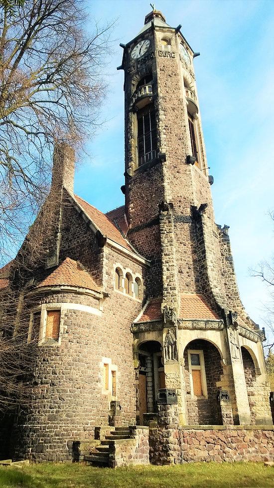 Výjimečný kostel Vzkříšení v Hrobě.jpg
