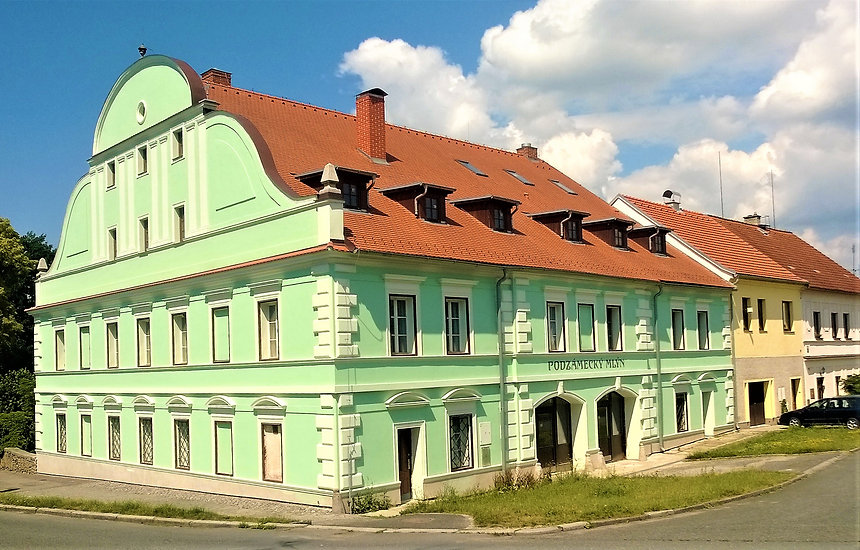 Barokní Podzámecký mlýn v Horažďovicích.