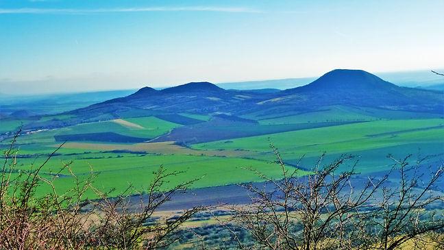 Pohled z vrchu Milá