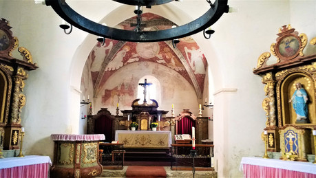 Galerie: 850 let starý kostel v Albrechticích