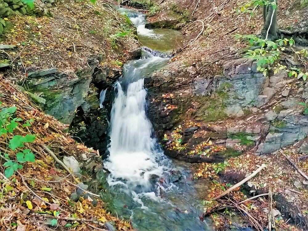 Žabnický vodopád leží na potoce Žabník