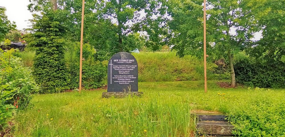 Pomník Jánose Esterházyho na Mírově