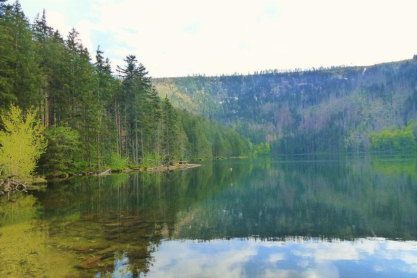 Jezerní stěna nad hladinou Černého jezer