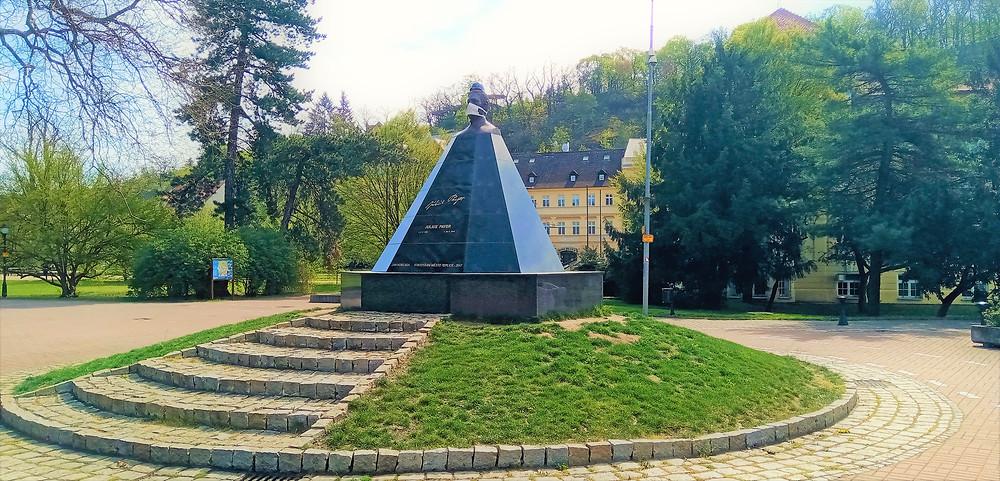 pomník Julia Payera