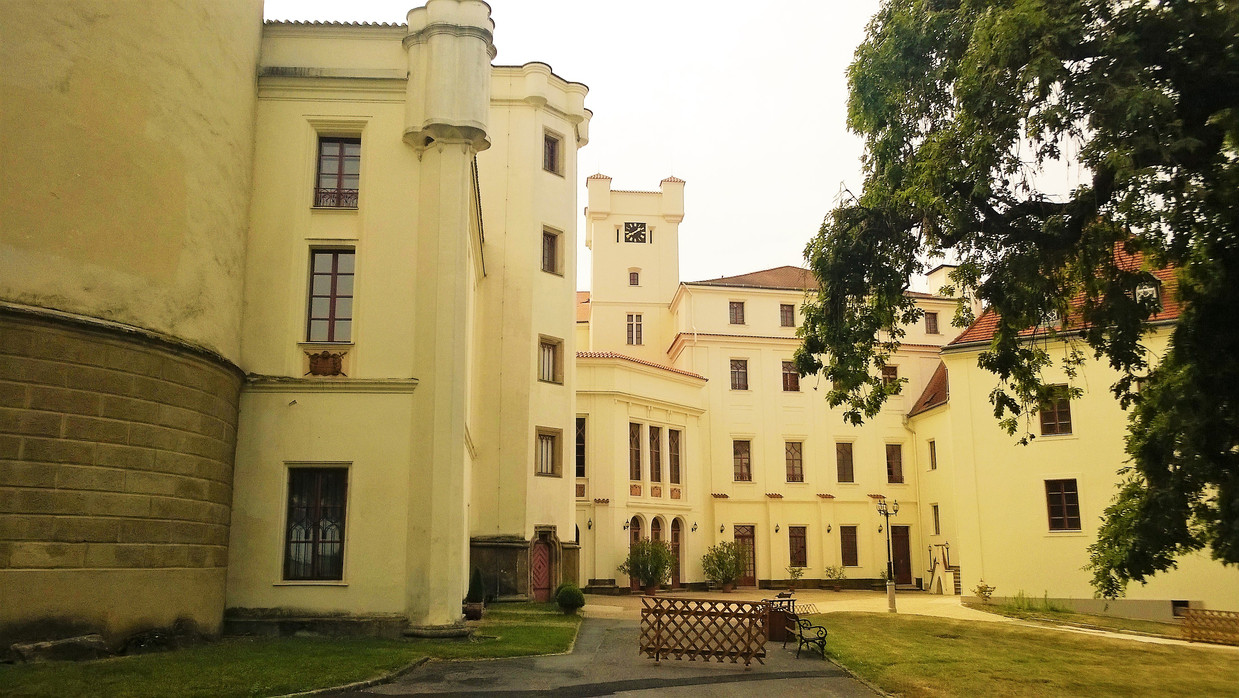 Galerie: Hrad a zámek Bor