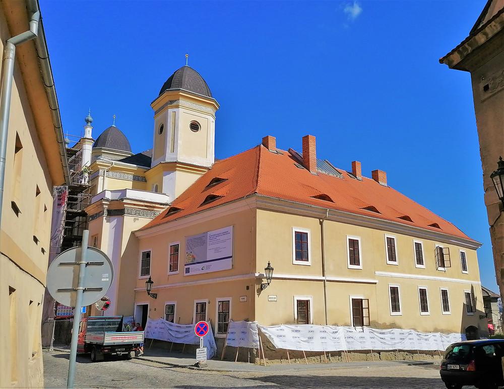 Synagoga v Žatci prochází náročnou opravou